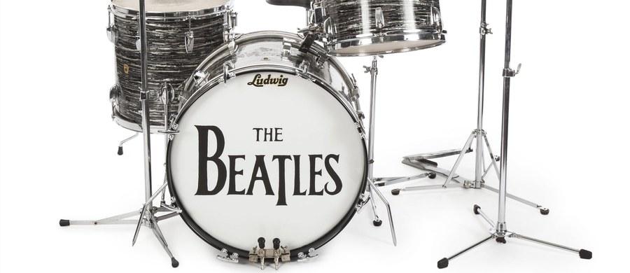 2,1 mln dolarów - taką cenę zdecydowano się zapłacić za perkusję Ringo Starra z 1963 roku. Informację przekazał dom aukcyjny Julien's z Los Angeles.