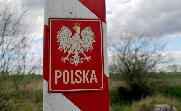 Czescy samorządowcy nie chcą zgodzić się na zwrot Polsce 368 hektarów terenu, które nasi południowi sąsiedzi winni są nam od blisko 60 lat. Umowę ustalającą przebieg naszej południowej granicy zawarto jeszcze w 1958 roku, a od roku 1995 działa wspólna komisja. Ma ona ustalić, które tereny mają być włączone w nasze granice.