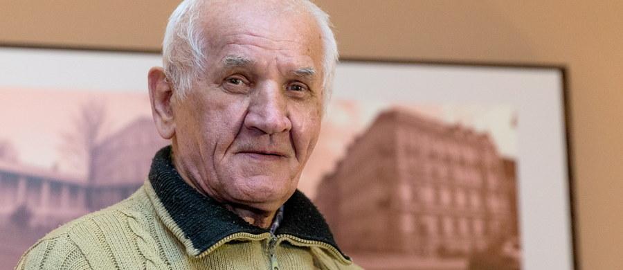 78-letni Feliks Meszka, po 11 latach przymusowego pobytu w szpitalu psychiatrycznym w Rybniku, wróci do domu - tak zdecydował rybnicki sąd. Uznał, że umieszczenie Meszki w szpitalu bez jego zgody odbyło się z naruszeniem przepisów.