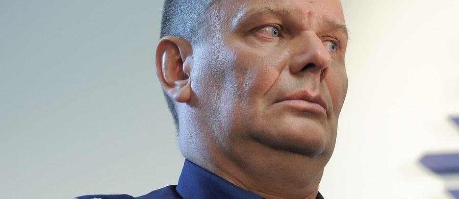 Mirosław Schossler nie jest już wiceszefem policji - dowiedział się reporter RMF FM. Odwołał go minister spraw wewnętrznych i administracji na wniosek nowego Komendanta Głównego Policji.