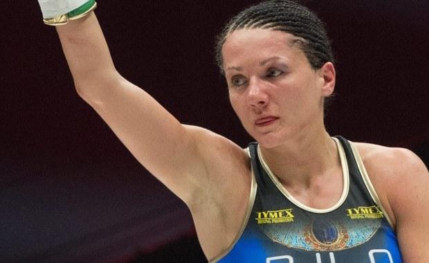 Ewa Brodnicka wywalczyła wakujący tytuł bokserskiej mistrzyni Europy w wadze lekkiej. Wygrała w podwarszawskich Łomiankach jednogłośnie na punkty (98:92, 98:93 i 98:93) po dziesięciu rundach z Belgijką Elfi Philips.