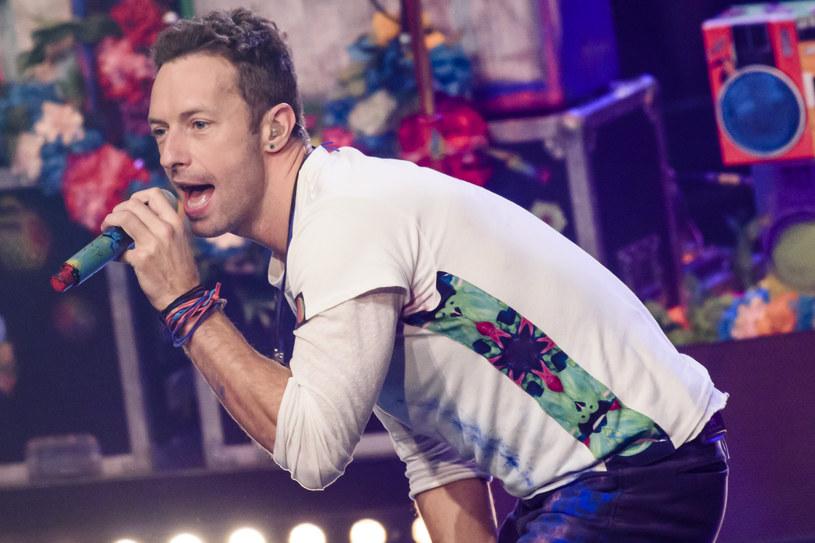 Córka lidera Coldplay i Gwyneth Paltrow – Apple – zaprezentowała swój talent muzyczny na specjalnym, świątecznym koncercie.