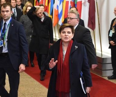 PiS mocny w kraju, łagodny w Brukseli