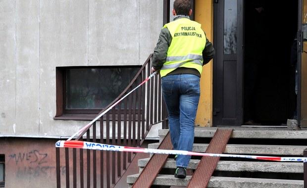 Sąd Rejonowy w Rudzie Śląskiej zdecydował o aresztowaniu 44-letniego Piotra K., podejrzanego o zabójstwo żony i dwóch synów.