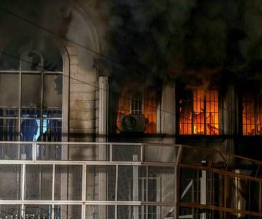 Po egzekucji szyickiego duchownego: Protestujący podpalili ambasadę Arabii Saudyjskiej