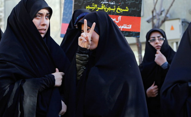 Minister spraw zagranicznych Arabii Saudyjskiej Adil ibn Ahmad ad-Dżubeir ogłosił, że jego kraj zrywa stosunki dyplomatyczne z Iranem. Irańscy dyplomaci mają opuścić kraj w ciągu 48 godzin.