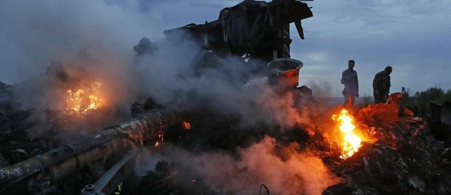"""Holenderska prokuratura przestudiuje raport dziennikarzy z portalu Bellingcat, według którego rosyjscy żołnierze mogli być zamieszani w zestrzelenie 17 lipca 2014 roku Boeinga 777 linii Malaysia Airlines nad wschodnią Ukrainą. """"Otrzymaliśmy ten raport zaraz po świętach Bożego Narodzenia"""" - powiedział rzecznik prokuratury Wim de Bruin."""