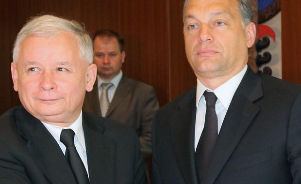 """Jak podał  """"Newsweek"""", powołując się na węgierski serwis informacyjny VS.hu, Viktor Orban przyjeżdża do Polski na zaproszenie Prawa i Sprawiedliwości. Według portalu Orban przyjeżdża na zaproszenie partii, dlatego zgodnie z protokołem, będzie to wizyta """"prywatna"""". Z tego samego powodu Orban nie zatrzyma się w Warszawie, ale """"w jednym z ośrodków wypoczynkowych na południu Polski""""."""