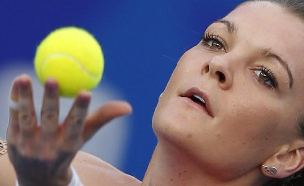 Agnieszka Radwańska awansowała do półfinału turnieju WTA w Shenzen z pulą nagród w wysokości 500 tysięcy dolarów. Nasza tenisistka, najwyżej rozstawiona w imprezie, pokonała Chinkę Qiang Wang 6:3, 6:2.