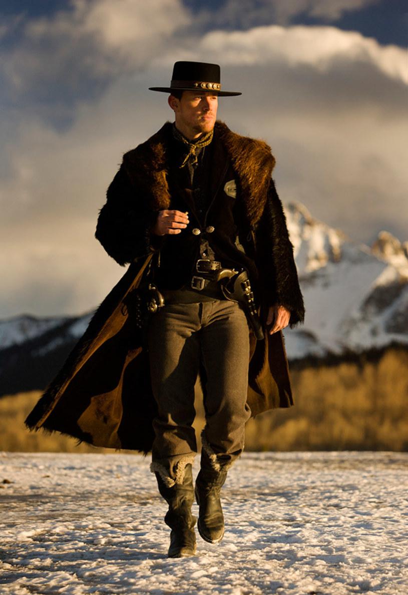 """Pojawiło się pierwsze zdjęcie Channinga Tatuma w stylizacji z najnowszego dzieła Quentina Tarantino - """"Nienawistna ósemka"""" (w kinach od 15 stycznia)."""