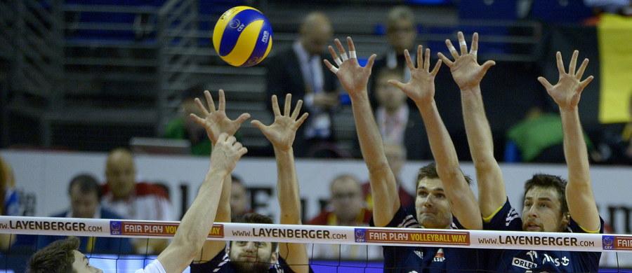 Polscy siatkarze wygrali w Berlinie z Belgią 3:0 i awansowali do półfinału turnieju kwalifikacyjnego do igrzysk w Rio de Janeiro. W piątek o godz. 20 zmierzą się z Niemcami, a stawką meczu będzie pierwsze miejsce w grupie A.