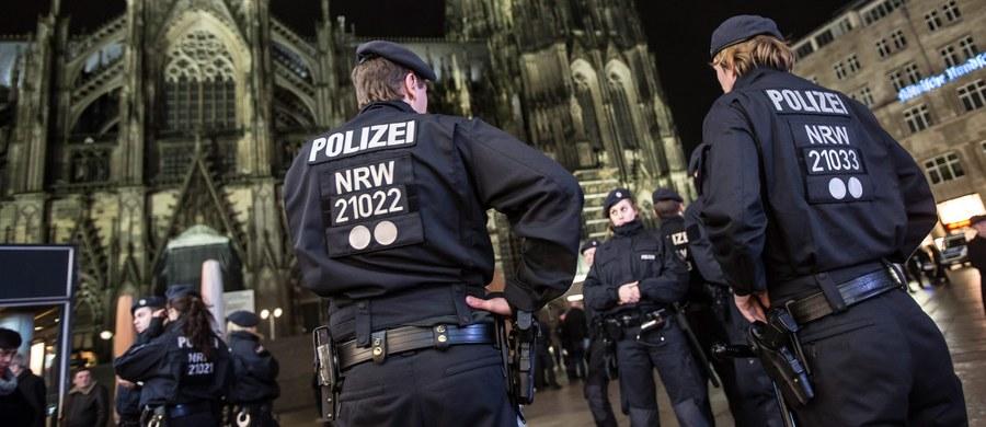 Do 516 wrosła liczba zawiadomień o przestępstwach, składanych przez ofiary napaści seksualnych i rabunkowych, do jakich dochodziło w Kolonii w noc sylwestrową - poinformowała policja w tym niemieckim mieście. 40 procent zgłoszeń dotyczy przestępstw na tle seksualnym. W Hamburgu, gdzie również doszło do serii napaści, liczba poszkodowanych wzrosła ze 108 do 133.