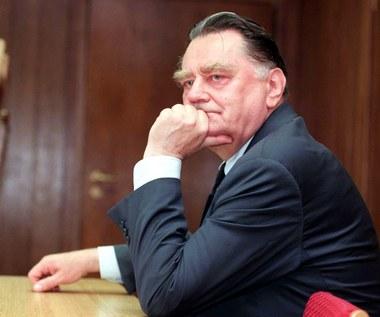 Premier Szydło przyznała specjalną emeryturę. 8 tys. dla Jana Olszewskiego