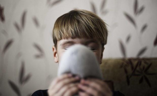 Rewolucyjnego odkrycia dokonali francuscy naukowcy. Ogłosili oni, że dzięki badaniu fałdów mózgu będzie można wykrywać u dzieci - dużo wcześniej niż dotąd - wszystkie formy autyzmu – m.in. zespół Aspergera. Dzięki temu będzie można jak najwcześniej zapewnić odpowiednią opiekę cierpiącym na te zaburzenia.