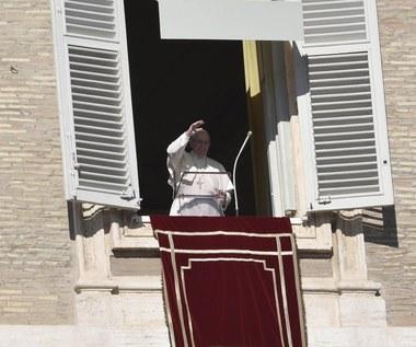 Papież do migrantów: Nie pozwólcie sobie ukraść nadziei i radości