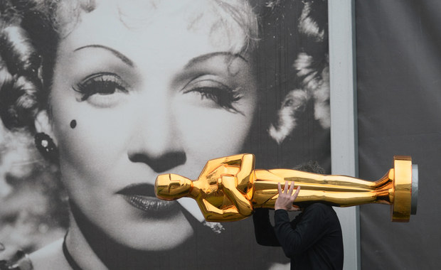 """Cheryl Boone Isaacs, szefowa Amerykańskiej Akademii Filmowej odniosła się w specjalnym oświadczeniu do sporu wokół tegorocznych nominacji do Oscarów. Zapowiedzi bojkotu ceremonii wywołał fakt, że nominowani są prawie wyłącznie biali. """"To trudna, ale ważna rozmowa. Czas na poważne zmiany"""" – napisała Boone Isaacs."""