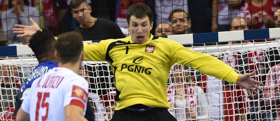 31:25 pokonali polscy piłkarze ręczni Francuzów we wczorajszym meczu mistrzostw Europy. Dzięki temu Polacy zajęli pierwsze miejsce w końcowej tabeli grupy A. Już wcześniej zapewnili sobie awans do drugiej rundy grupowej turnieju. Nagrodę dla najlepszego gracza przyznano bramkarzowi Sławomirowi Szmalowi.