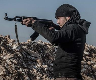 """ISIS obcięło o połowę żołd syryjskim bojownikom. Powodem """"nadzwyczajne okoliczności"""""""