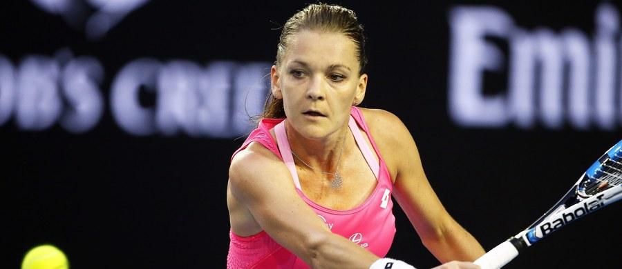 """""""Byłam trochę bardziej regularna, dlatego też byłam w stanie wrócić na właściwe tory w pierwszym secie. Dobrze serwowałam (…) i to mi także pomogło"""" - mówiła Agnieszka Radwańska po zwycięstwie nad Kanadyjką Eugenie Bouchard w 2. rundzie wielkoszlemowego Australian Open. """"Cieszę się, że wciąż gram taki sam tenis jak pod koniec ubiegłego roku"""" - przyznała."""