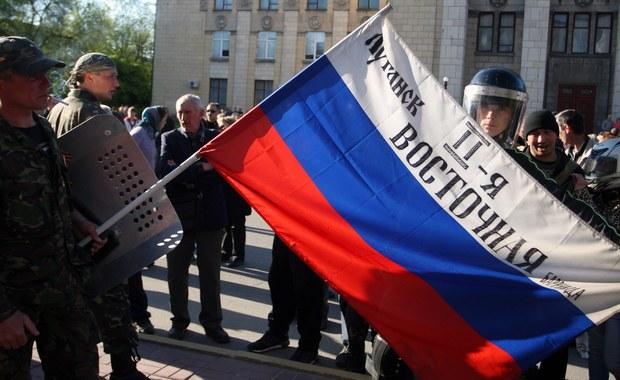"""W opanowanym przez prorosyjskich separatystów Donbasie znajduje się ok. 8,5 tysiąca żołnierzy Federacji Rosyjskiej – oświadczył szef Centrum Antyterrorystycznego Służby Bezpieczeństwa Ukrainy (SBU) Witalij Malikow. """"Przyjeżdżają i wyjeżdżają na zasadzie rotacji"""" – powiedział w wywiadzie dla opiniotwórczego tygodnika """"Dzerkało Tyżnia""""."""