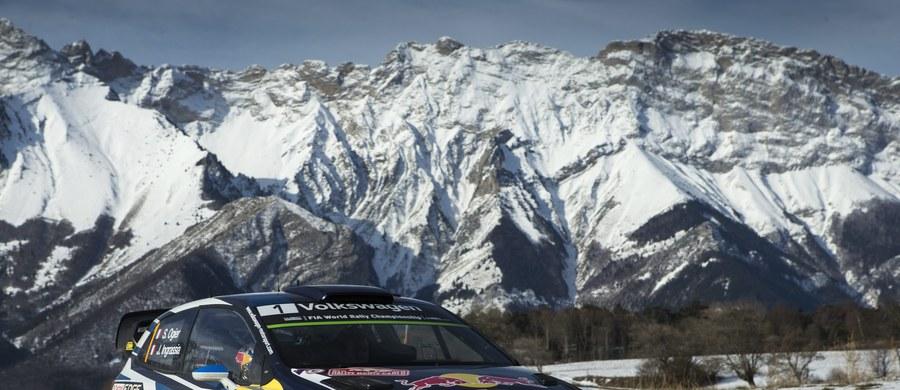Obrońca tytułu mistrza świata Francuz Sebastien Ogier (VW Polo WRC) prowadzi po dwunastu odcinkach specjalnych Rajdu Monte Carlo. Wicemistrz świata Fin Jari-Matti Latvala (VW Polo WRC) wypadł z trasy i już nie jedzie.