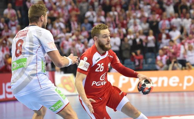 W krakowskiej Tauron Arenie rozegrano mecz Polska - Norwegia w drugiej rundzie mistrzostw Europy piłkarzy ręcznych. Biało-czerwoni przegrali 28:30.