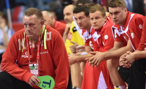 """""""Drużyna Norwegii w niczym nas nie zaskoczyła. Grali z nami tak samo, jak w meczach, które widzieliśmy na wideo. Wychodziło im w 100 procentach, to, co wcześniej"""" - powiedział Sławomir Szmal, bramkarz reprezentacji Polski piłkarzy ręcznych po przegranym meczu z Norwegami 28:30. Jego zdaniem zespół w spotkaniu Norwegią zagrał za bardzo emocjonalnie, zamiast """"z głową""""."""