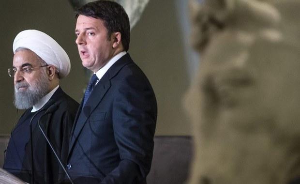 Specjalne środki ostrożności, a raczej - jak zauważają włoskie media - przyzwoitości, zastosowano w Muzeach Kapitolińskich w Rzymie, gdzie wczoraj wieczorem był prezydent Iranu Hasan Rowhani. Całkowicie zasłonięto statuy z wszelkimi elementami nagości.