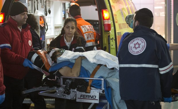 Dwóch Palestyńczyków zaatakowało nożem dwie kobiety w Jerozolimie. Jedna z ofiar zmarła. Napastników zastrzelili funkcjonariusze służb bezpieczeństwa.