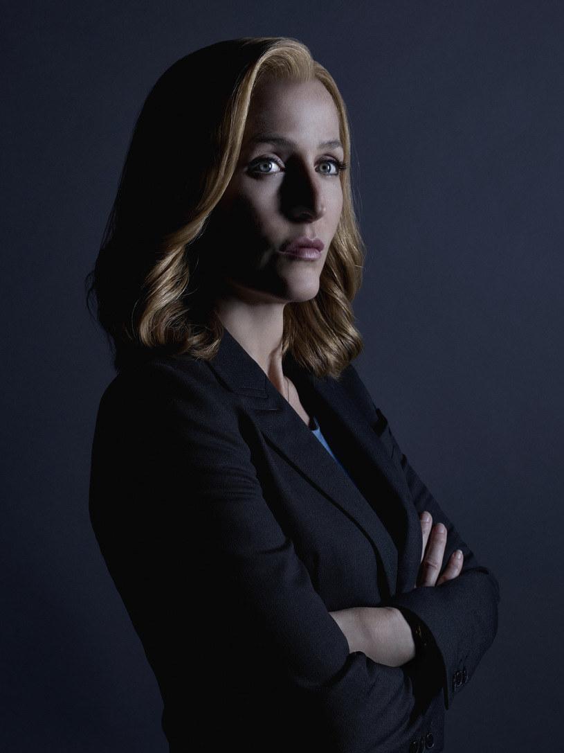 """Gillian Anderson ujawniła kulisy negocjacji wynagrodzenia za udział w najnowszym sezonie """"Z Archiwum X"""". Okazało się, że aktorka przeżyła małą """"powtórkę z rozrywki""""."""