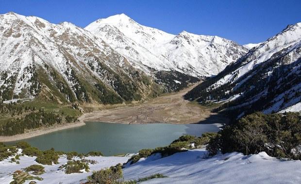 Ciało polskiego turysty, który zaginął dwa dni temu, znaleźli ratownicy w okolicach kurortu narciarskiego Szymbułak w pobliżu Ałma Aty w Kazachstanie - poinformowały rosyjskie media.