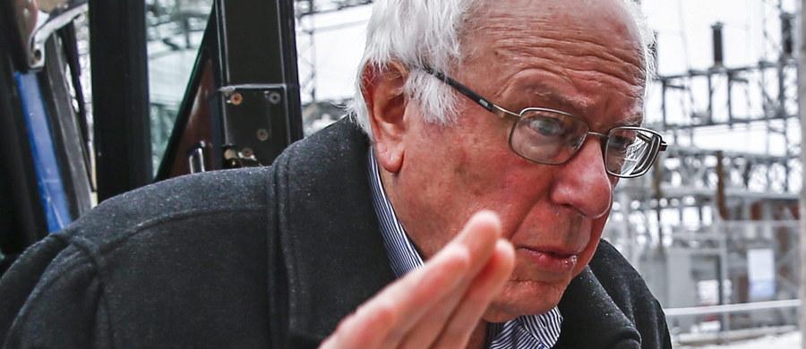 Syn polskiego imigranta teoretycznie ma szansę zostać 45. prezydentem Stanów Zjednoczonych. Bernie Sanders goni w sondażach Hillary Clinton i ostro walczy o nominację partii demokratycznej w wyborach w USA. Senator nie ukrywa, że ma polskie korzenie… ale na tym właściwie koniec.