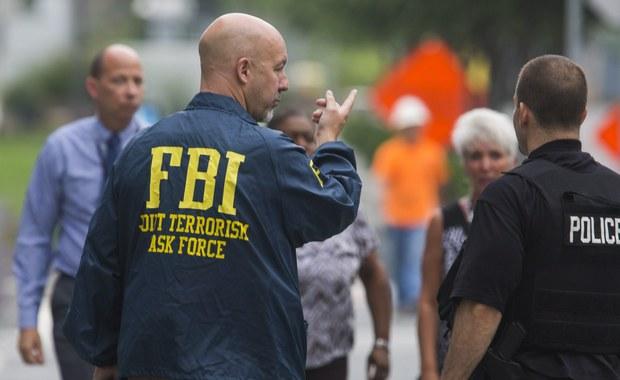 Agenci Federalnego Biura Śledczego zatrzymali mieszkańca Milwaukee, który - według nich - miał przygotowywać zamach terrorystyczny. 23-letni Samy Mohamed Hamzeh, został aresztowany i oskarżony o posiadanie dwóch karabinów maszynowych i tłumika.