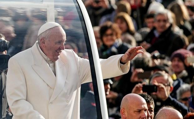 Wizyta papieża Franciszka w Auschwitz jest bardzo prawdopodobna - powiedział rzecznik Watykanu ks. Federico Lombardi. Pragnienie udania się na teren byłego nazistowskiego obozu zagłady papież wyraził podczas spotkania z prezydentem Andrzejem Dudą w listopadzie.