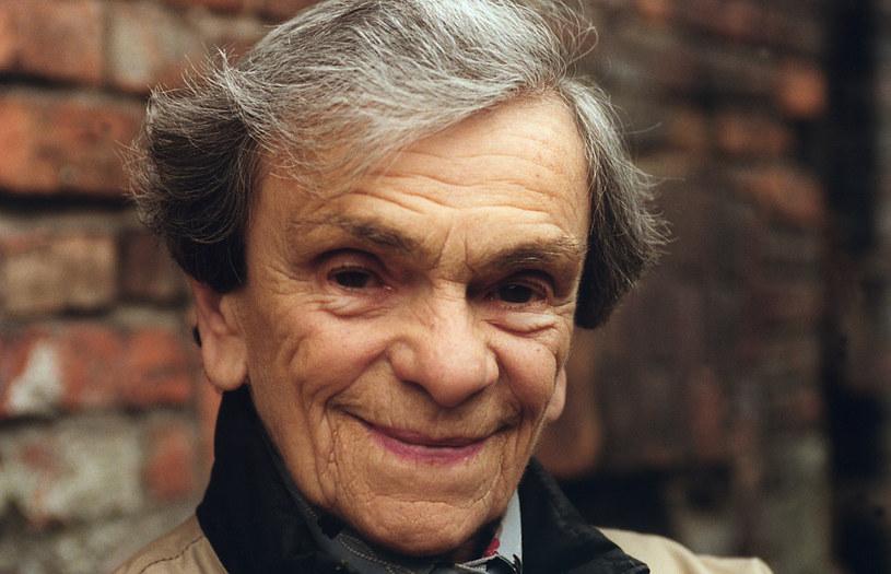 """Książkowe wydanie odnalezionej powieści """"Światła, które nie gasną"""" autorstwa Krystyny Feldman ukaże się w marcu, w 100. rocznicę jej urodzin. Rękopis odkryli spadkobiercy zmarłej w 2007 roku aktorki."""
