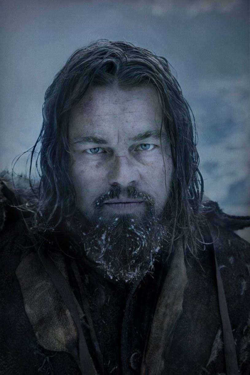 """O tym, """"kim naprawdę jesteśmy i na ile nas stać, gdy musimy walczyć o życie"""", """"o chęci przeżycia i o nadziei"""" opowiada w swoim nowym filmie Alejandro G. Inarritu. Uhonorowana 12 nominacjami do Oscara """"Zjawa"""" z Leonardo DiCaprio trafi w piątek do kin w Polsce."""