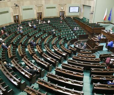 20 mln zł z budżetu dla szkoły o. Rydzyka? PiS wycofał poprawkę z budżetu