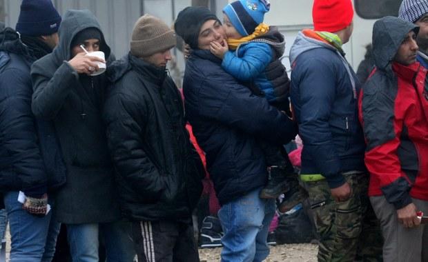 Coraz więcej ataków muzułmańskich band przeciwko chrześcijanom w wielkim dzikim obozowisku uchodźców koło Dunkierki! Okoliczni księża alarmują, że rannych zostało już co najmniej siedem osób. Według świadków Irańczykowi, który nawrócił się na chrześcijaństwo, poderznięto gardło.
