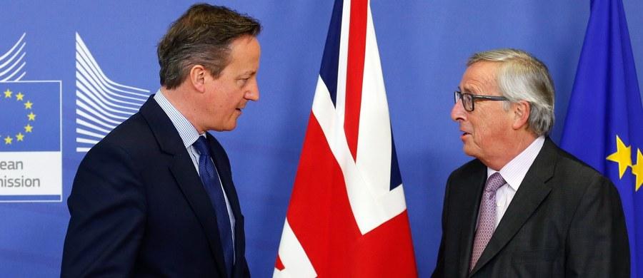 """""""Awaryjne hamowanie"""" - to nowy termin, jaki pojawił się w relacjach Wielkiej Brytanii z Unią Europejską. Brzmi dramatycznie, trąci dreszczykiem i stawia pytanie: czy będzie bezpieczne? Chodzi o zabiegi brytyjskiego rządu dotyczące ograniczenia pomocy dla imigrantów z Unii Europejskiej. W tym Polaków. Czy takie hamowanie wobec rosnącej liczby napływającej na Wyspy siły roboczej wystarczy, by skłonić Brytyjczyków na zagłosowanie TAK w unijnym referendum? Najbliższe miesiące mogą dać odpowiedź na to pytanie."""