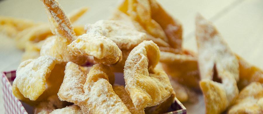 Kruche, lekkie, posypane cukrem pudrem faworki, a może serowe, smażone na głębokim tłuszczu oponki? Jutro Tłusty Czwartek! Wypróbujcie te przepisy.