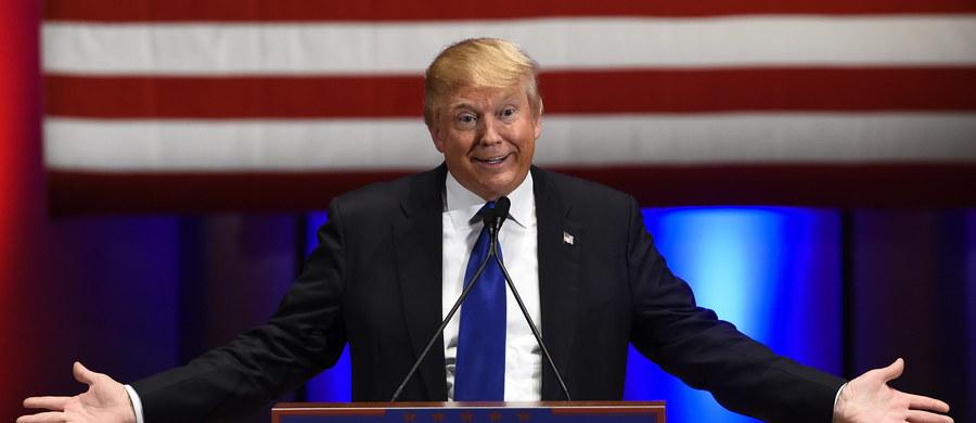 Stan Iowa rozpoczyna w poniedziałek długi proces prawyborów, w którym Demokraci i Republikanie wyłonią kandydatów na prezydenta USA. Popularność Donalda Trumpa i Berniego Sandersa odzwierciedla niezadowolenie Amerykanów z partyjnych elit i sytuacji w kraju.