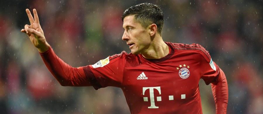 Niemieckie media zachwycają się statystykami Roberta Lewandowskiego. W 18 ligowych meczach Bayernu Monachium, w których polski piłkarz zagrał, zdobył aż 19 goli. To dorobek lepszy od tego, jaki miał na koniec zeszłego sezonu! Wraz z Thomasem Muellerem tworzą najgroźniejszy duet snajperów w historii Bundesligi.