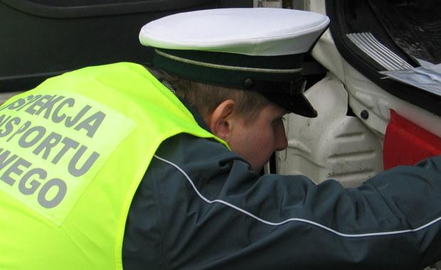 Inspekcja Transportu Drogowego - do podziału. Zgodnie z projektem zmian przygotowywanym przez Ministerstwo Spraw Wewnętrznych i Administracji, jej kompetencję przejmą trzy podmioty - ujawnił reporterowi RMF FM sekretarz stanu w tym resorcie Jarosław Zieliński.