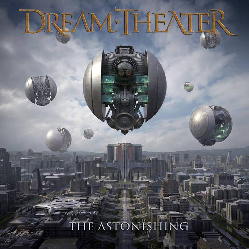 """Na pewno znacie takie albumy, które są dobrze zrealizowane, zagrane z dbałością o technikę, niby przepełnione emocjami, a jednak w żaden sposób was nie ruszają. Po przesłuchaniu zaś odczuwacie jedynie przesyt. Cóż, wygląda na to, że """"The Astonishing"""" od Dream Theater ma spore szanse dołączyć do tego grona."""
