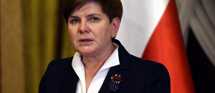 Polska będzie chronić Polaków żyjących za granicą i zabiegać o ich właściwe traktowanie - powiedziała premier Beata Szydło podczas spotkania z Polakami mieszkającymi w Wielkiej Brytanii. Możecie liczyć na wsparcie rządu i zrozumienie waszych problemów - zapewniła.