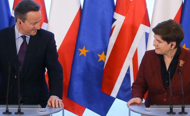 """Wielka Brytania jest dla Polski strategicznym partnerem i chcemy, by pozostała ona członkiem Unii Europejskiej - powiedziała premier Beata Szydło na konferencji przed spotkaniem z premierem Wielkiej Brytanii Davidem Cameronem. Jak dodała szefowa rządu, Polska chce wspierać większość brytyjskich propozycji, ale będzie negocjować kwestie dot. spraw socjalnych. Z kolei premier Wielkiej Brytanii stwierdził, że jego kraj """"chce widzieć pełne strategiczne partnerstwo między Wielką Brytanią a Polską, bo mamy wspólne interesy i ideały""""."""