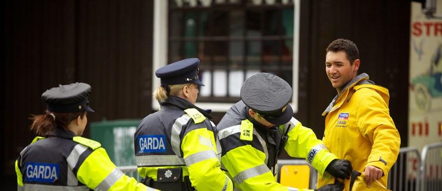 Jedna osoba zginęła, a dwie zostały ranne podczas ceremonii ważenia bokserów w hotelu Regency w Dublinie. Ogień do kibiców otworzyło trzech uzbrojonych mężczyzn - poinformowała irlandzka policja.