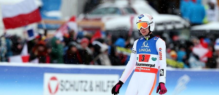 Polscy skoczkowie zajęli szóste miejsce w sobotnim konkursie drużynowym Pucharu Świata w Oslo. Zwyciężyła reprezentacja Słowenii, przed Norwegią i Japonią.