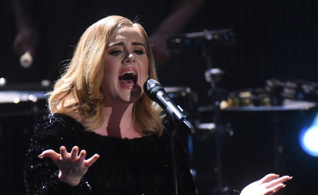 """""""Adele była numerem jeden ubiegłego roku na rynku sprzedaży muzyki"""" – pisze we wtorkowym wydaniu """"Rzeczpospolita"""". Dziennik powołuje się na dane Międzynarodowej Federacji Branży Fonograficznej."""