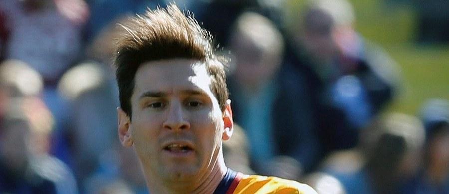 Argentyńczyk Lionel Messi podda się szczegółowym badaniom lekarskim w klinice urologicznej. Piłkarz Barcelony ma od dłuższego czasu problemy z nerkami.